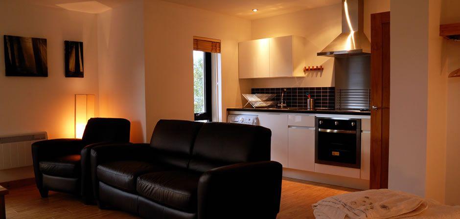 header-slide-02 Duachy Apartments Lounge.jpg