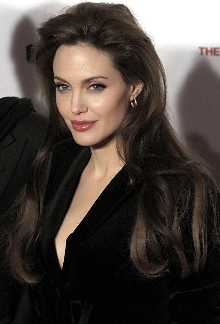 Angelina Jolie Hairstyles Frisuren Feier Frisuren Langhaar