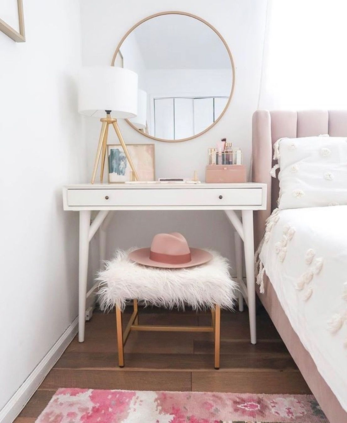 Simple Small Living Room Interiordesign: Pin By Jill Aponte On Girls Room