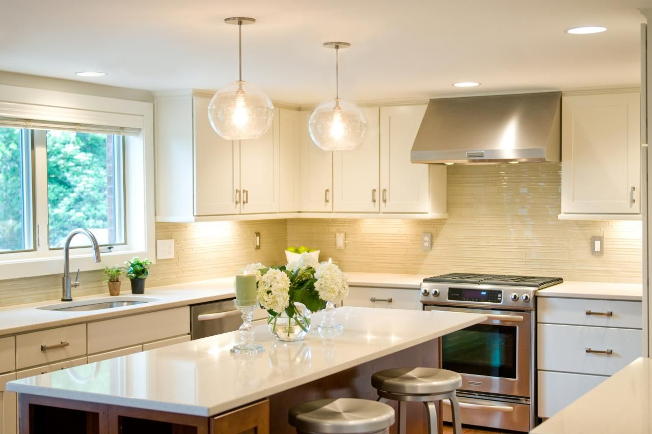 Fool-Proof Paint Colors That Will Sell Your Home   Hgtv, Wall colors ...