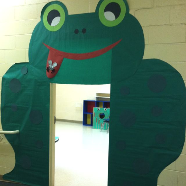 "Bulletin Board Ideas With Frogs: ""down By The Pond"" Theme"