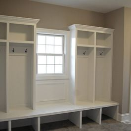 Traditional Home Narrow Mudroom Design Ideas Pictures Remodel And Decor