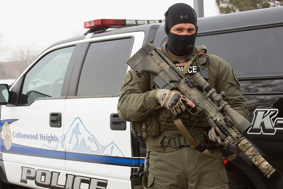 Gunsngear Cottonwood Heights Swat Sniper With His Desert Tactical