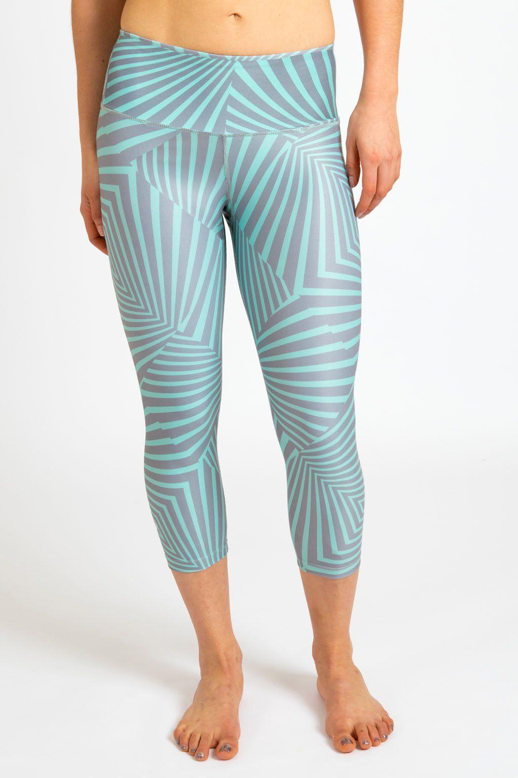 Apex Capri Outfits with leggings, Fitness fashion, Capri