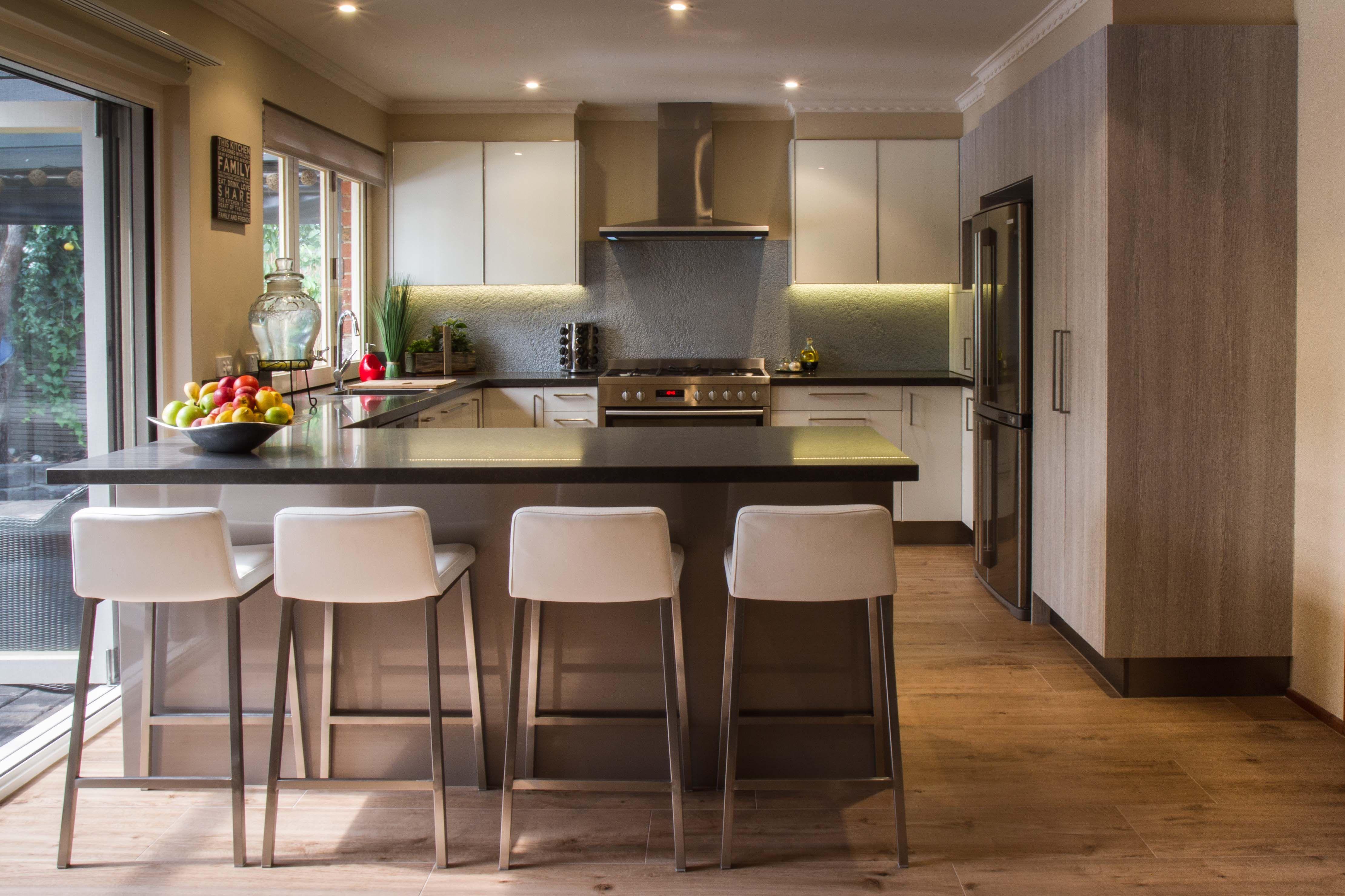 Modern Kitchen Outdoor Indoor Servery Window Bi Fold