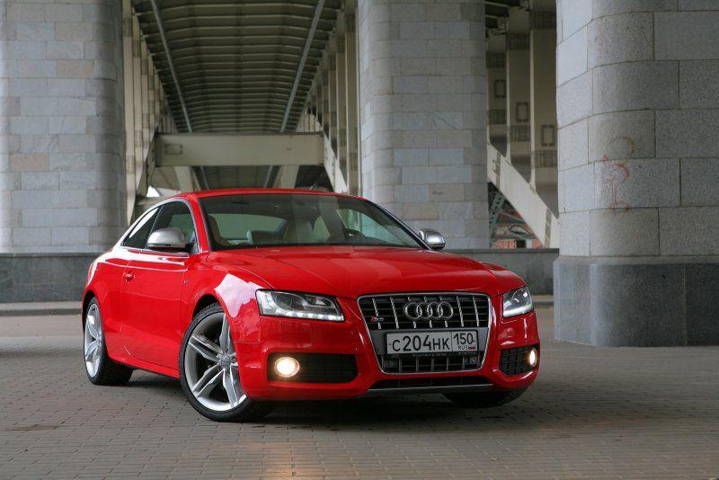 Audi S5 наперегонки с ветром Автомобили, Автомобиль