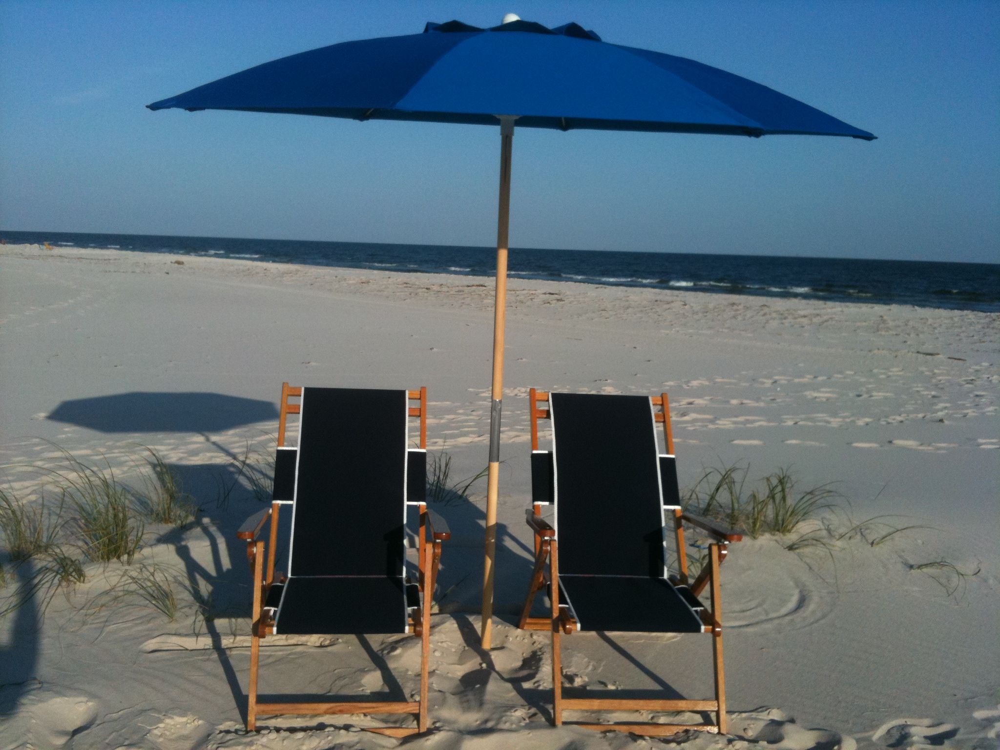 Beach lounge chairs with umbrella productcreationlabs