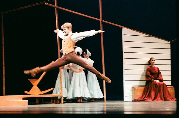 Russian-born American dancer Mikhail Baryshnikov and an