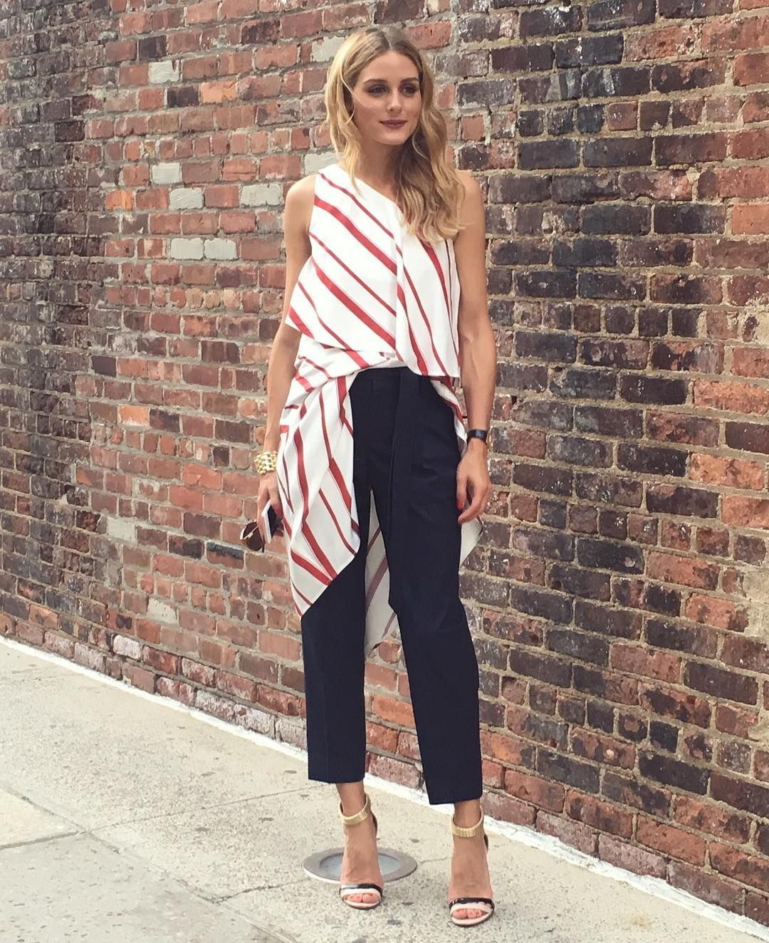 8409275184f9b Asymmetrical top outfit Olivia Palermo style outfit fashion   OOTD ...
