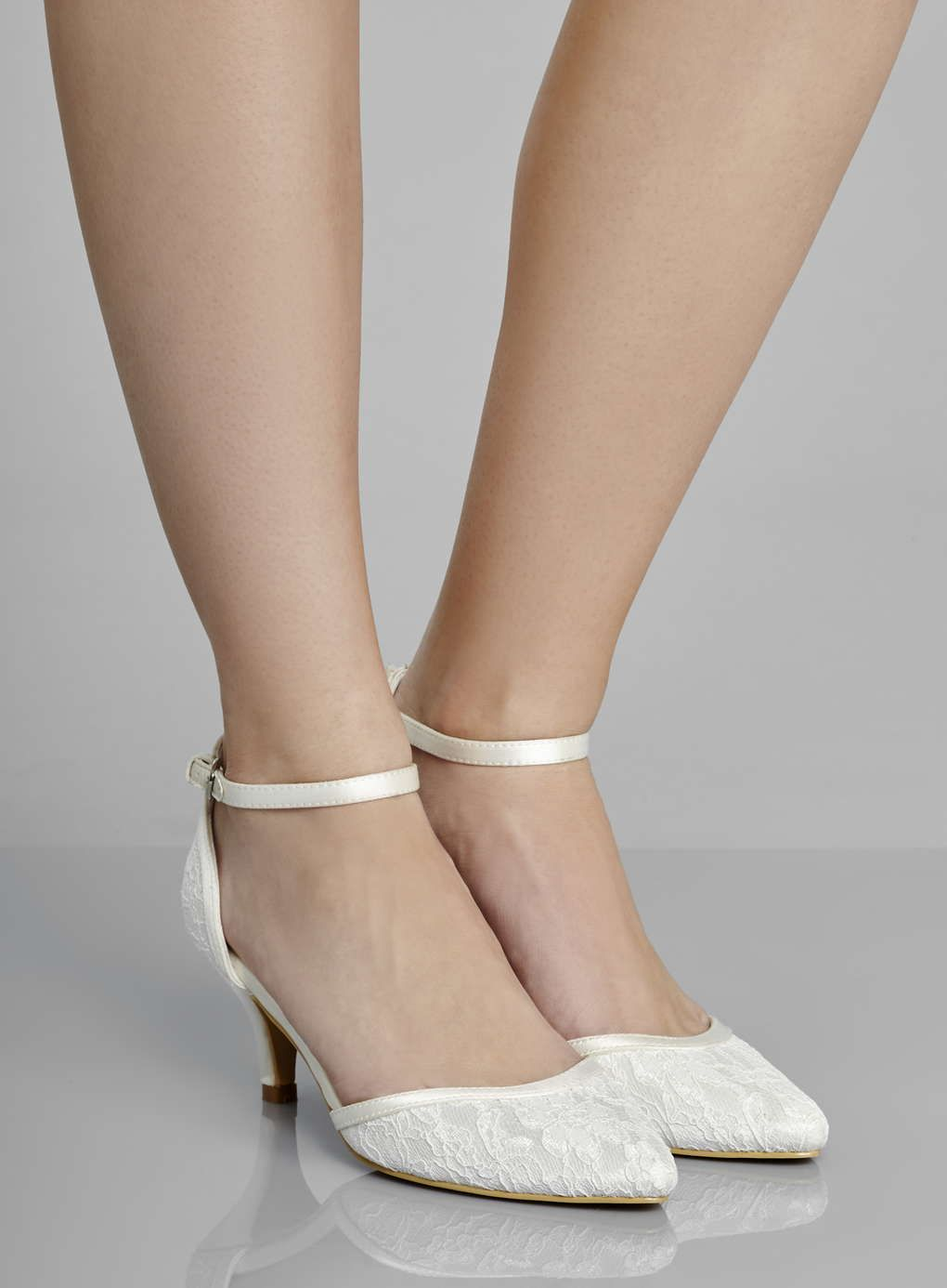 Lace Kitten Heels - Qu Heel