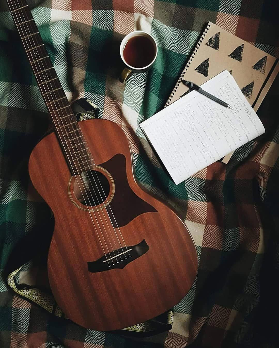 These Acoustic Guitars Are Stunning Acousticguitars Acoustic Guitar Photography Guitar Guitar Photography
