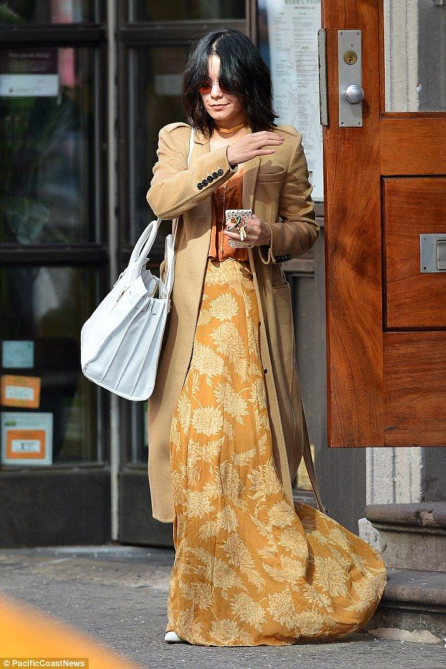 Vanessa hudgens floral skirt — photo 11