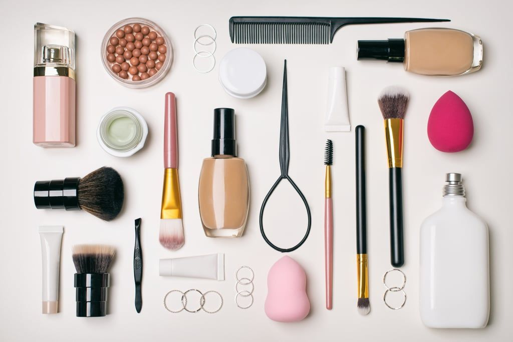 One A Day 116 Things To Throw Away Donate Or Recycle Makeup Kit Old Makeup Spice Image