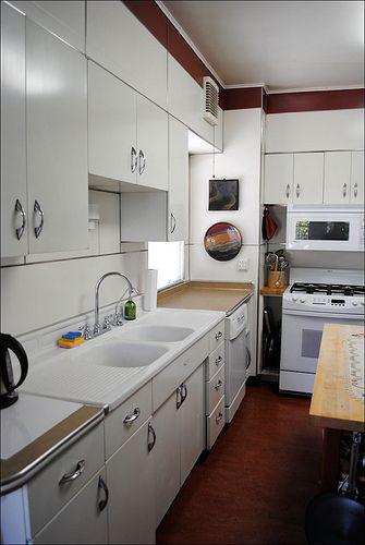 Mid Century Youngstown Kitchen Metal Kitchen Cabinets Kitchen Remodel Retro Kitchen