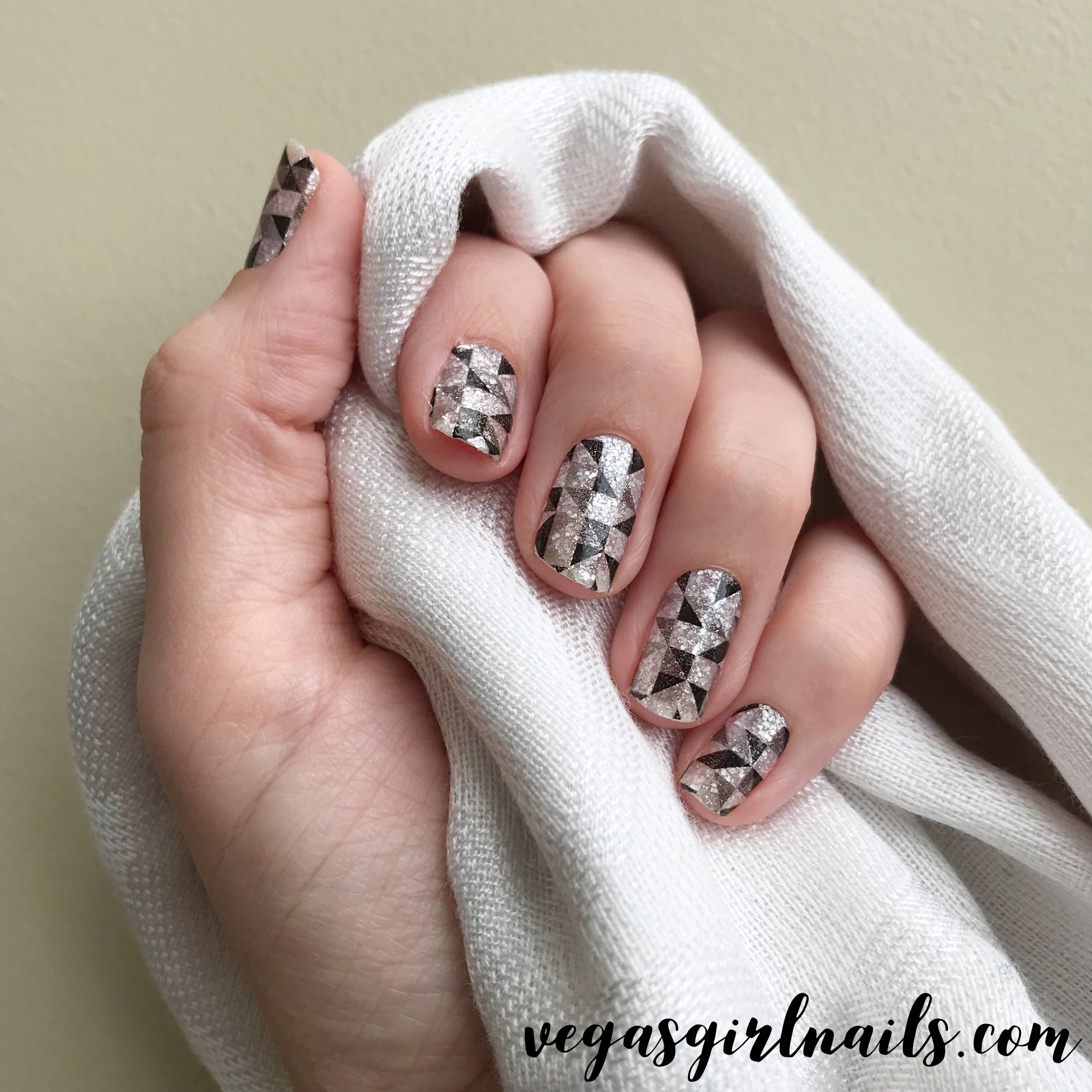 Color Street Wynwood. Nail polish strips with no dry time, and no ...