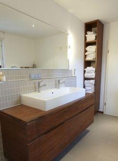 doppelwaschbecken mit handtuchregal - gelungene gestaltung, Hause ideen