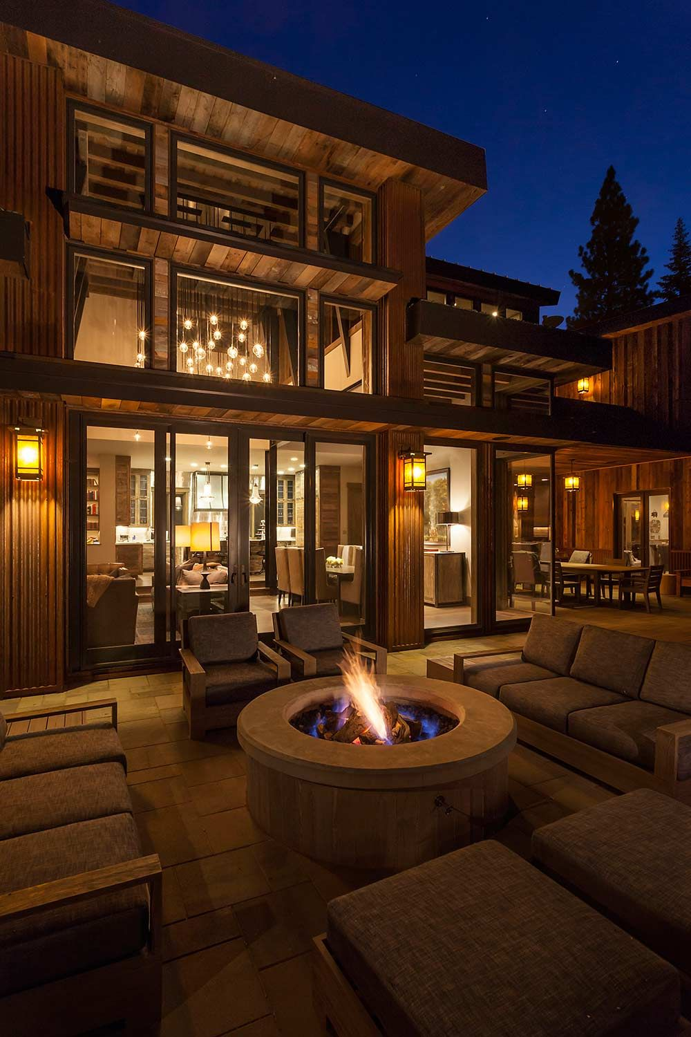 Photo of Lake Tahoe offers a modern barn aesthetic – best house decoration