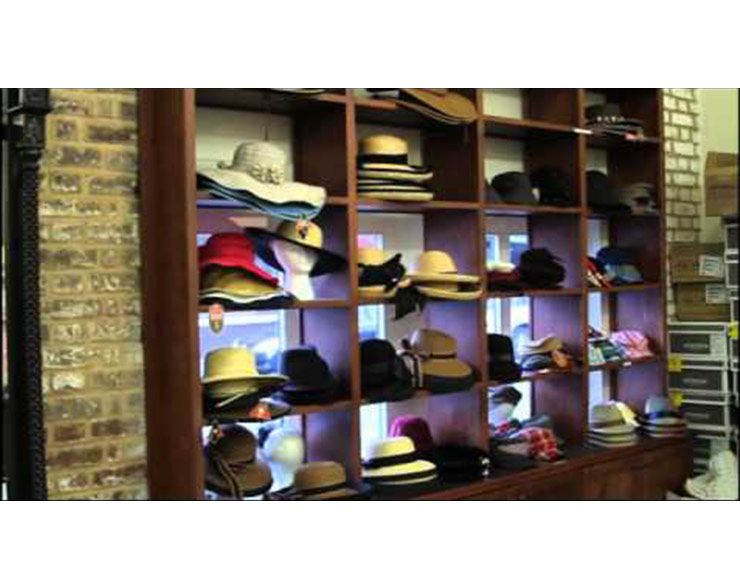 The Charleston Hat Man Women S Clothing Charleston City Market Vendor Charleston Sc Cnm Sm4 Hats For Men Clothes For Women City Market