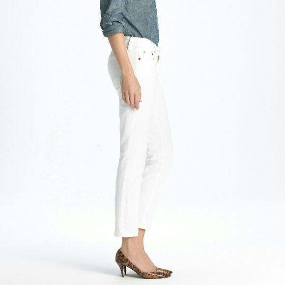 J. CREW WHITE SKINNIES Style called cropped matchstick. Bought, never wear. Sexy pants to accentuate skinny legs. FINAL PRICE  ❌Lowball ❌Trade ❌Offline transaction  Photo Credit #1 :  www.lyst.com J. Crew Pants