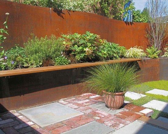Gartenweg rote Pflastersteine weiß graue große Betonplatten ...