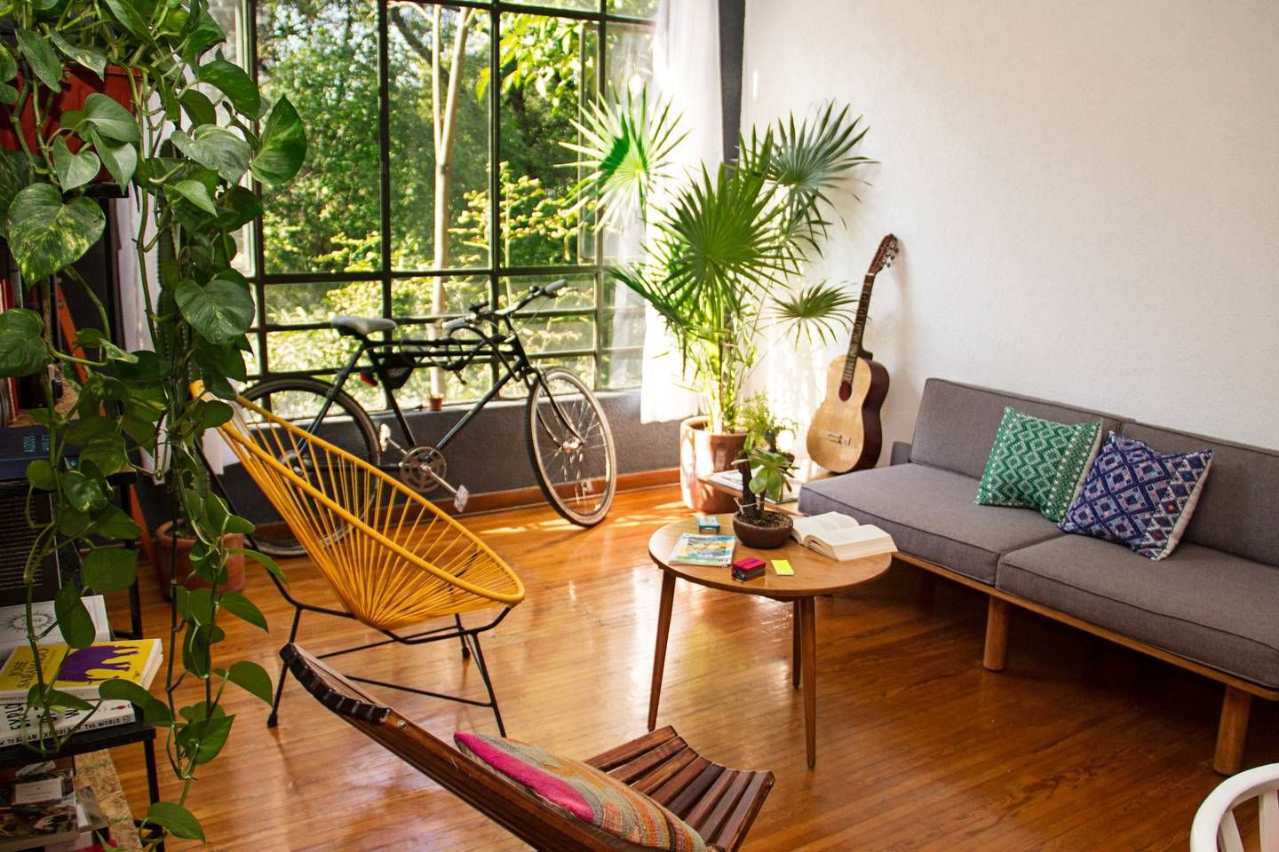 Apartment In The Jungle Apartments For Rent In Mexico City Get 25 Credit With Airbnb If You Sign Up With This Link Http Www Airbnb Com C Groberts Varanda