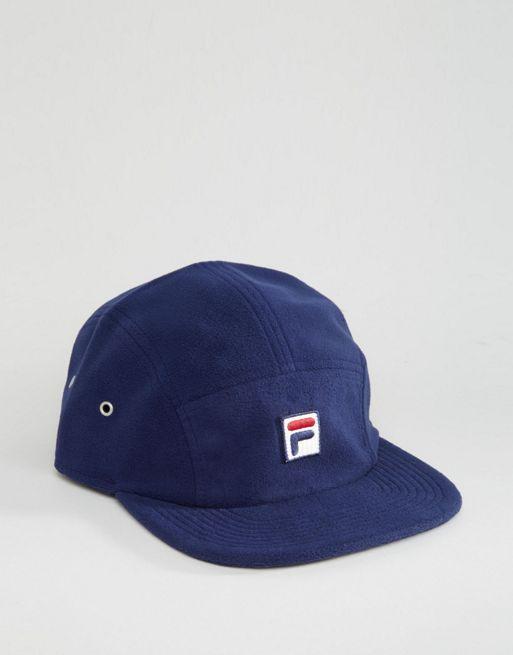 Gorra de polar con logo en caja exclusiva para ASOS de Fila Azul marino  Hombre Sombreros y gorros 39bdc30560a