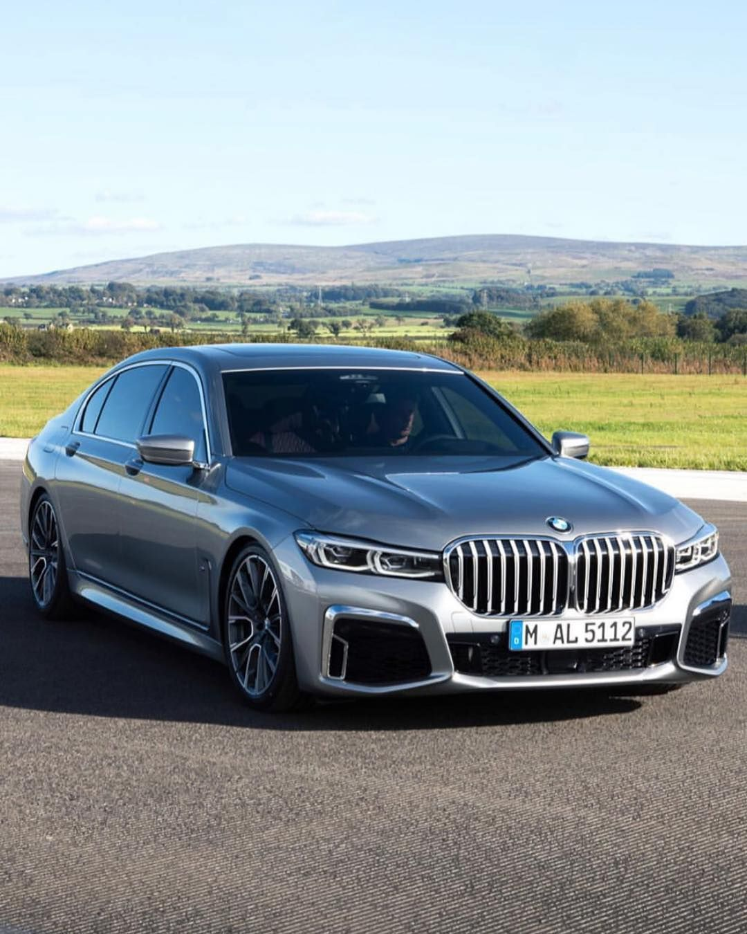 2020 Bmw 7 Series Makes World Premiere In China Which Accounts For 44 Of Sales Bmw 7 Series Bmw Bmw Cars