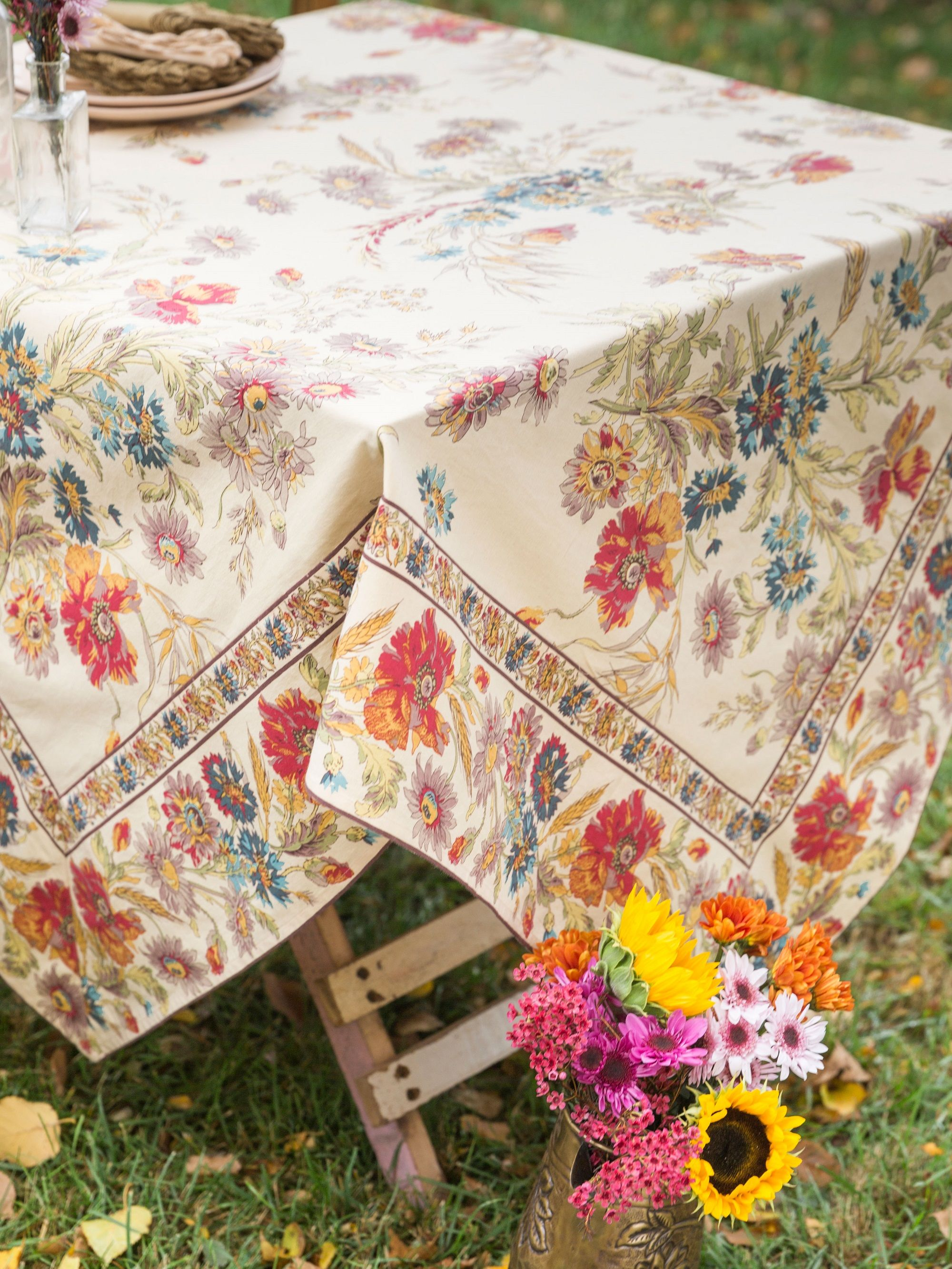 Explore A Diverse Selection Of Linens Home Decor Unique Vintage