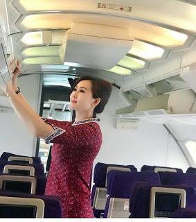 Syarat Menjadi Pramugari Tentunya Harus Dipersiapkan Sedari Awal Bila Anda Ingin Berkarir Sebagai Seorang Pramugari Maskapai Penerbangan Fotografi Gaya Hidup