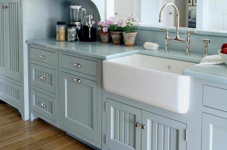 3 things my dream kitchen has a farmhouse sink an open plate rack