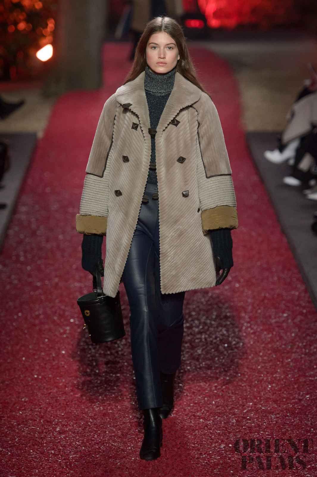 Hermes Fall-winter 2018-2019 - Ready-to-Wear   Cappotti   Moda ... 86bf900176b
