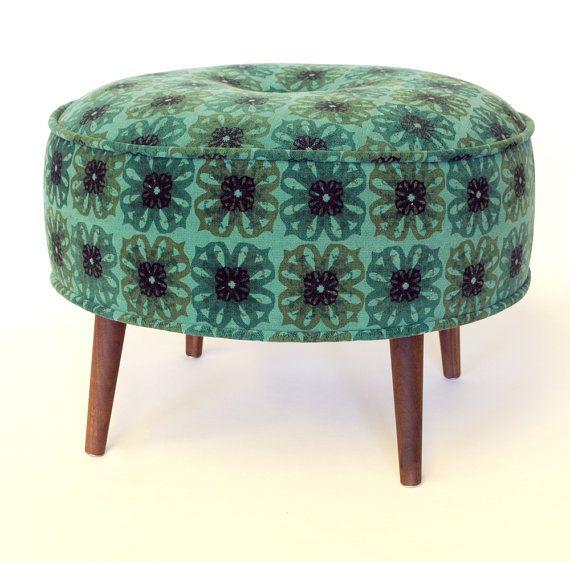 Pouf Repose Pied Tabouret Banc Rembourre Tissu Serigraphie Motif Vintage Vert Et Noir Pattes En Noyer Ottoman Footstool Round Ottoman Ottoman