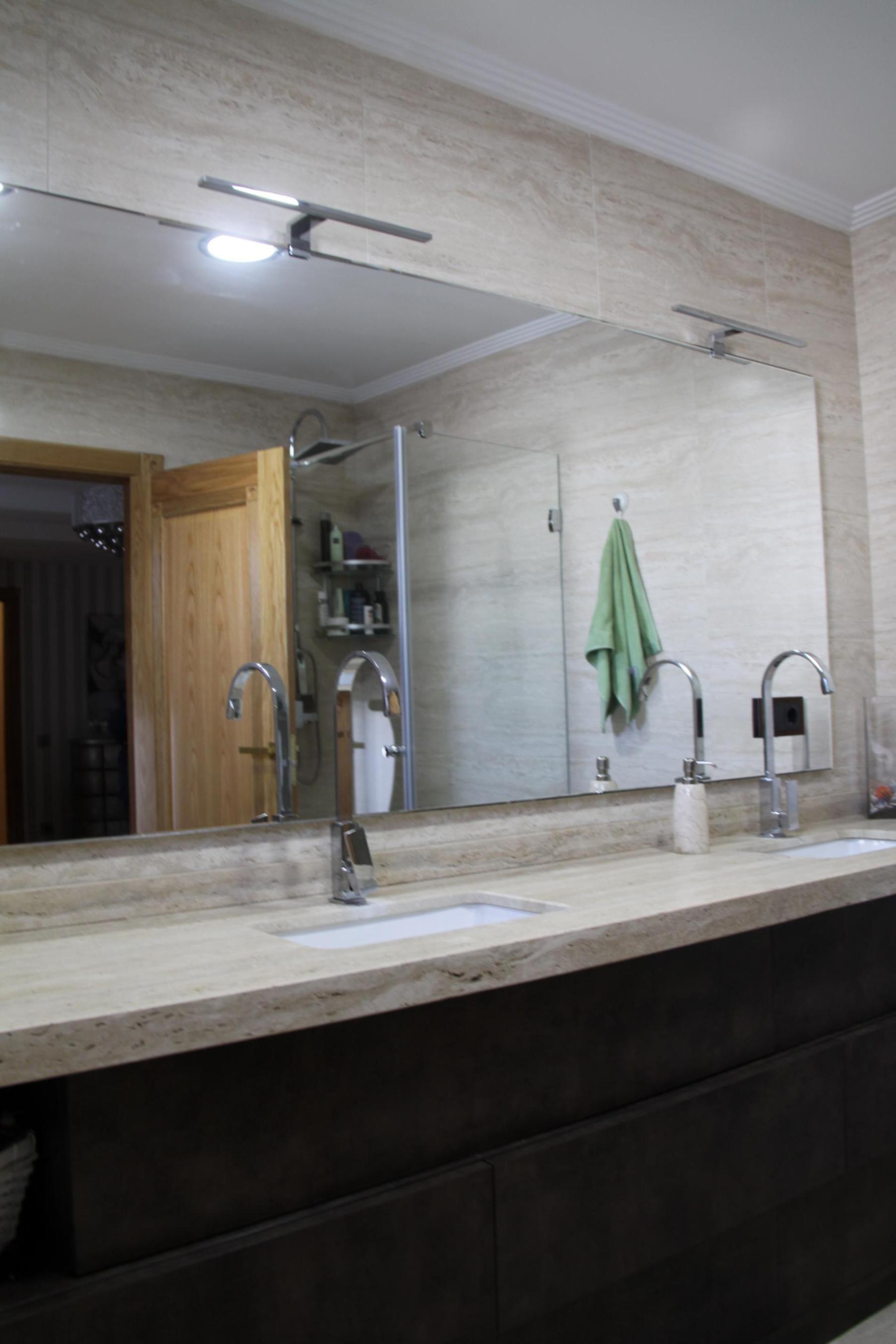 Baño en melamina decorativa con cajones Antaro sin tiradores, de ...