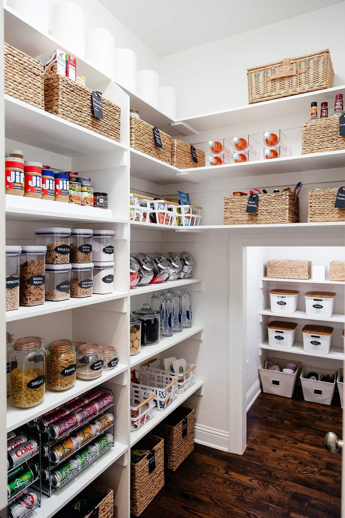 Amenager Cellier Rangements Et Idees Deco Pour Garde Manger Kitchen Pantry Storage Kitchen Refresh Pantry Shelving