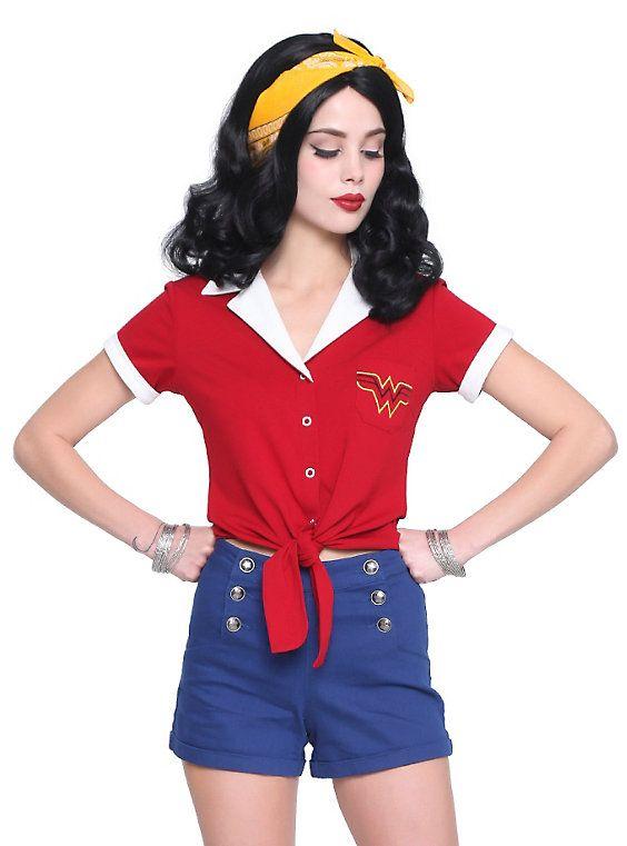 f88d43247 Hot Topic assina coleção de roupas inspiradas em personagens ...