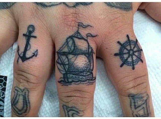 pirate tattoosx | tattoos | pinterest | tatouage, tatouage doigt