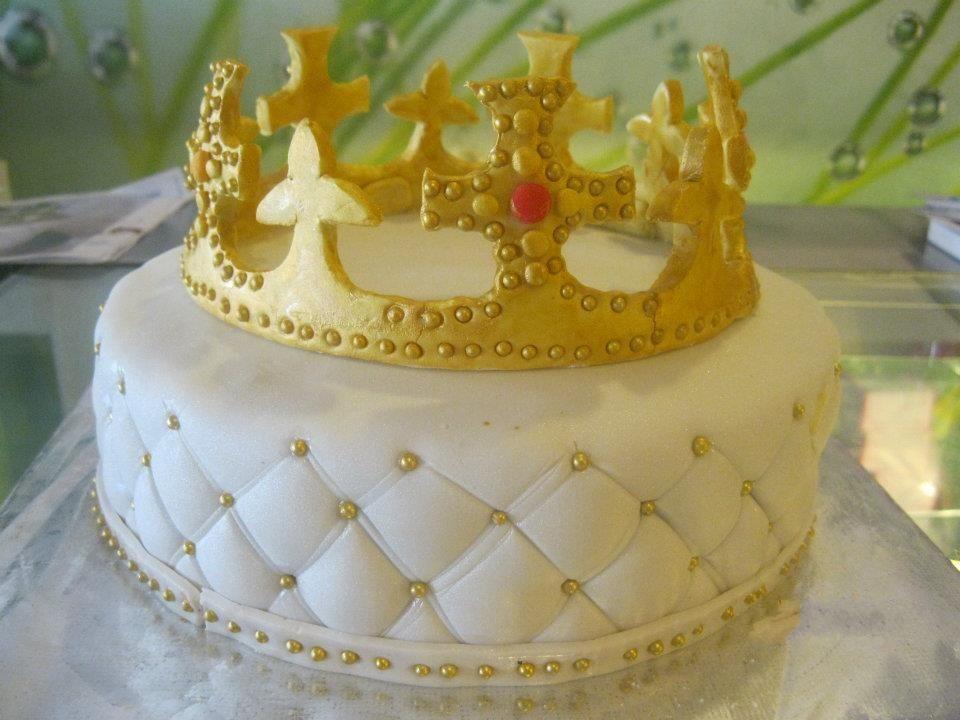 crown theme cakes mumbai Designer Cakes Mumbai Pinterest