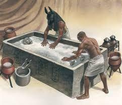 1.A+só+a+világháború+idején+igazi+értéknek+számított,+aki+tehette+eltett+belőle,+hogy+szükség+esetén+azzal+fizessen. 2.+Jól+lehet+vele+konzerválni+és+nem+csak+az+ételeket.+Gondolj+csak+az+egyiptomi+múmiákra.    3.Két+fajtája+létezik+a+kősó+és+a+holttengeri+só.+Az+előbbi+a+víz+elpárolgása…