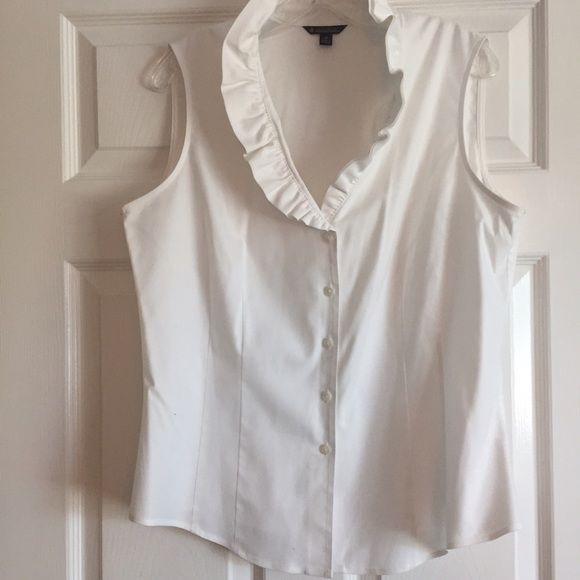 Brooks Brothers top w/ruffled collar Gorgeous white button down with ruffled collar. It has been worn only a handful of times. Perfect for day to night! 97% cotton and can be machine washed. Brooks Brothers Tops Button Down Shirts