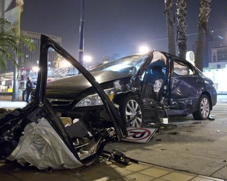 Driver kills two in Hollywood