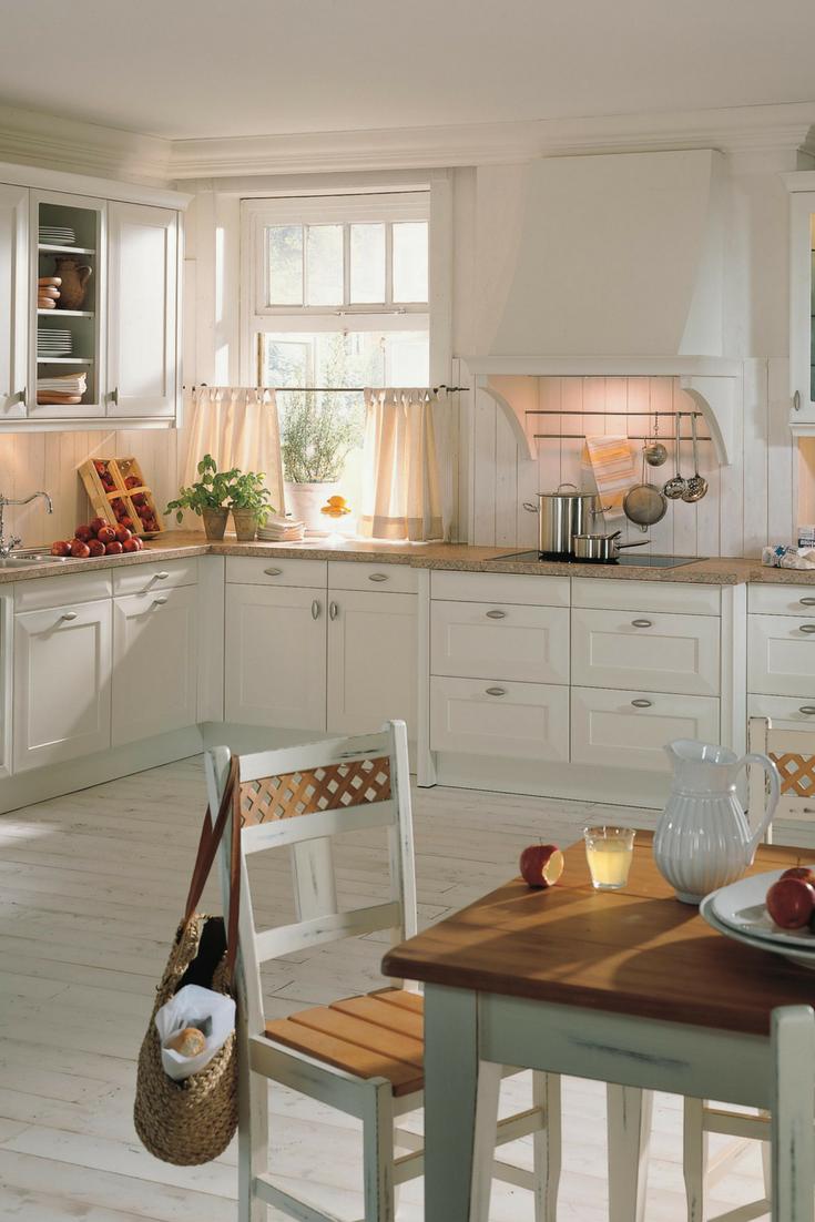 45 Uzasnych Kniznych Skiel Inspirujucich 13 Napady Pre Domaci Dizajn Welcome To Blog In 2020 Rustic Kitchen Country Style Kitchen Kitchen Styling