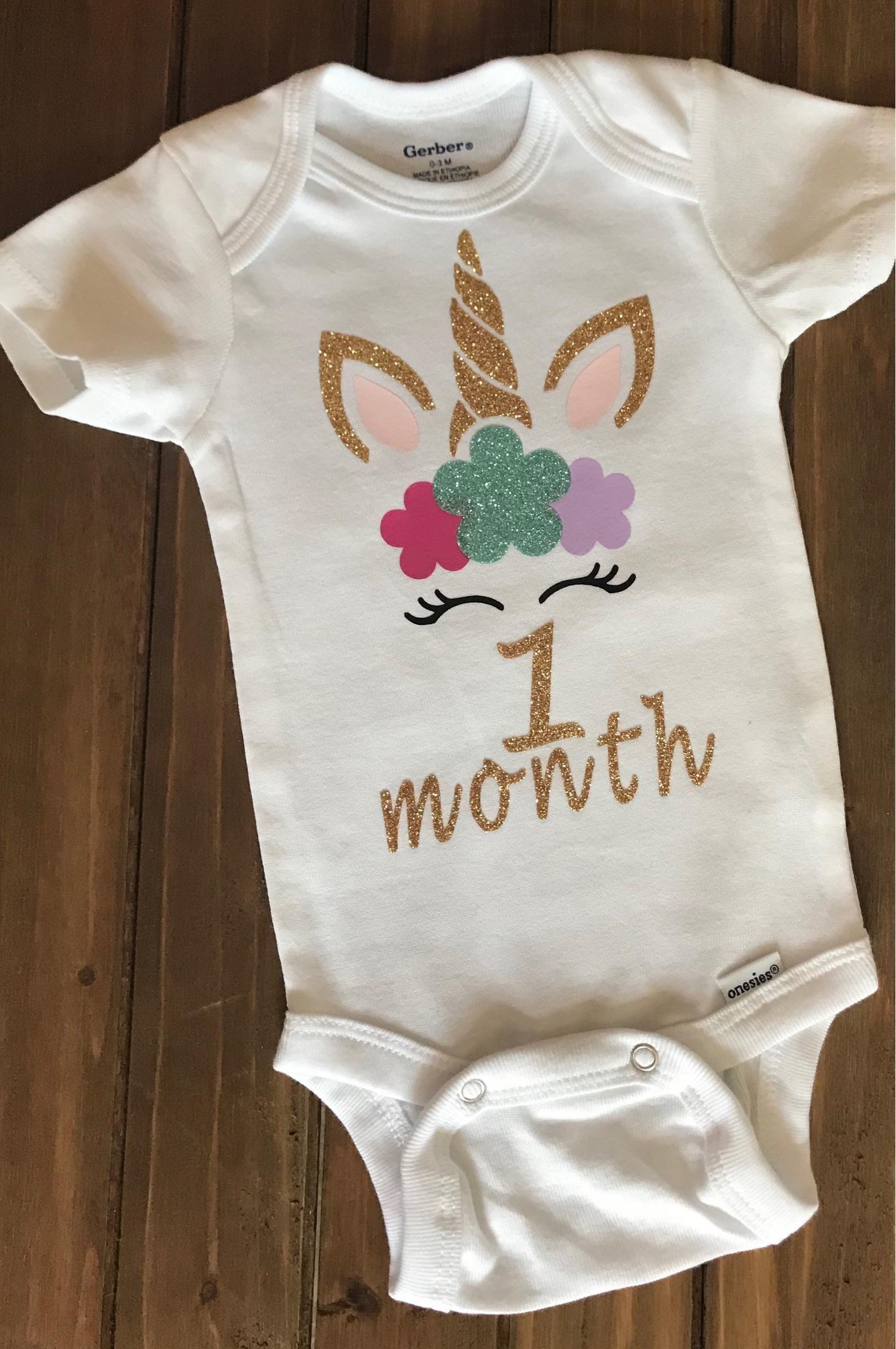 0-3m Baby Baby Shower Gift Unicorns Handmade Baby Bib Newborn up to 12m