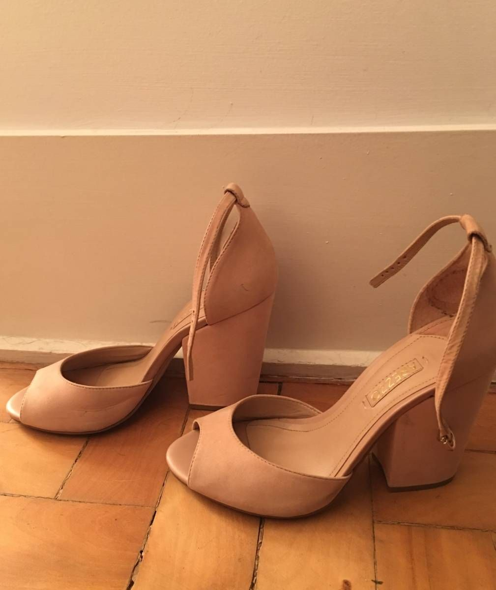 8fbe56f601 sapato salto bloco nude arezzo - sapatos arezzo