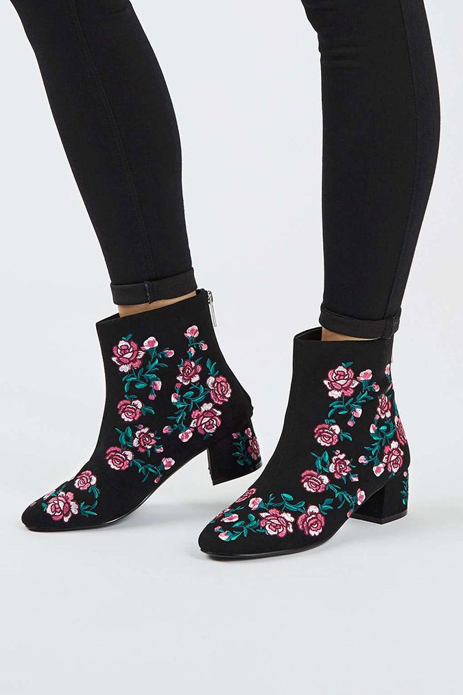 d1b441e5c26 Style Steals: November Embroidery   wear   Shoe boots, Fashion boots ...