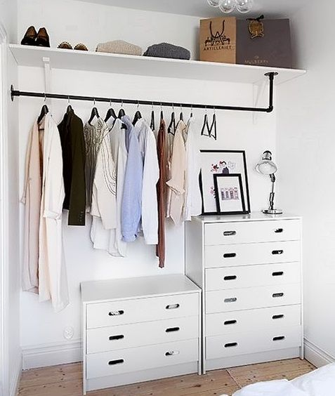 pin von beth clark auf closet pinterest schlafzimmer schrank und kleiderschrank. Black Bedroom Furniture Sets. Home Design Ideas