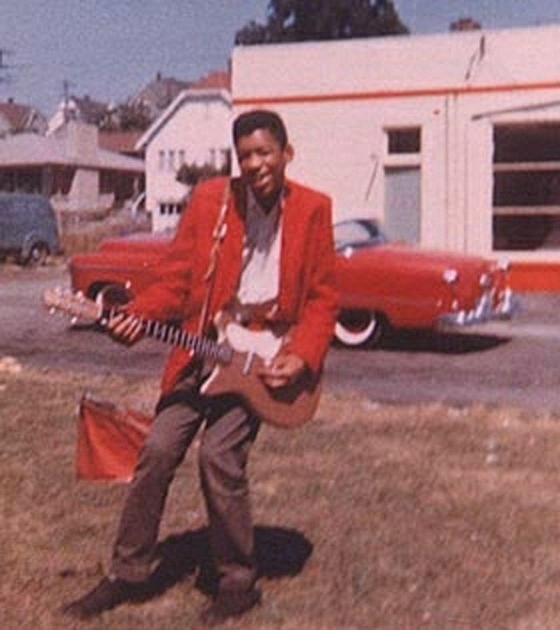 Un joven Jimmy Hendrix en sus inicios rockanroleros