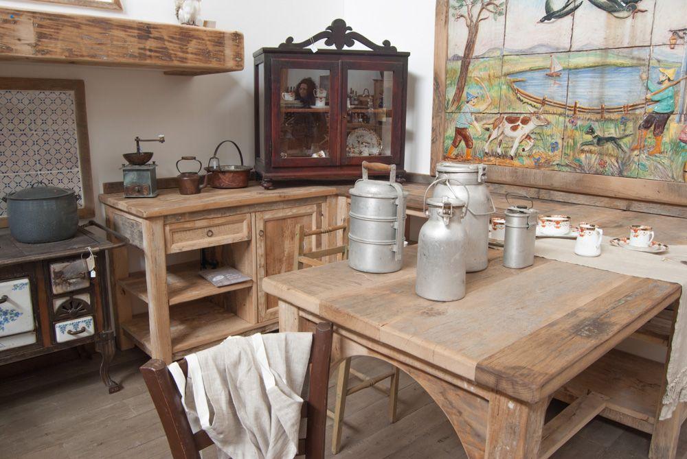 Cucina country ispirata alle cucine toscane rustiche del passato ...