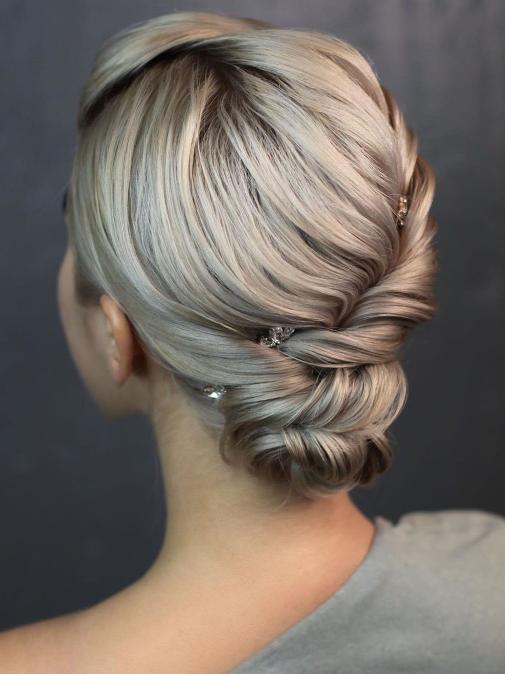 60 Elegant Christmas And New Year Eve Prom Hairstyles New Year S Eve Hair Hair Styles Prom Hairstyles For Long Hair