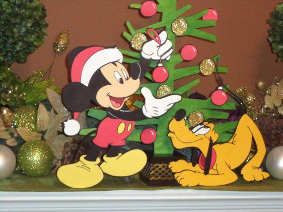 Plutos Christmas Tree.Mickey Mouse And Pluto Christmas Tree Decoration Mickey