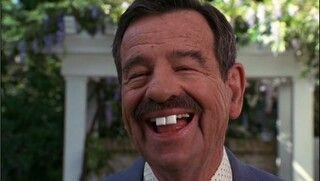 Sonrie Hoy Que Manana Te Puede Faltar Un Diente O Lo Puedes Solucionar Como El Senor Wilsom Celebrities Funny Funny Celebrity Pics Walter Matthau